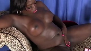 Curvy nubian trans wanks off until she cums