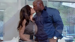 Lisa Ann craving for Prince'_s Heavy Black Cock