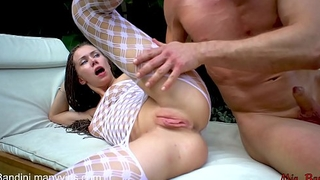 COLLEGE TEEN GETS ASS TO MOUTH FUCK AND FACIALIZED OUTDOORS. MIA BANDINI